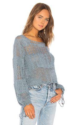 Tularosa Willow Pullover в цвете Blue Sage T-shirt Au Crochet, Mode Crochet, Crochet Shirt, Rib Stitch Knitting, Big Knits, Summer Knitting, Easy Crochet Patterns, Crochet Fashion, Revolve Clothing