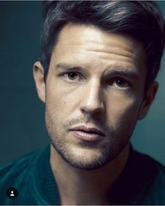 Funny moments by The Killers Artistes Musicaux Brandon Flowers, The Killers, Mr Brightside, Most Beautiful Man, Gorgeous Guys, Famous Men, Attractive Men, Good Looking Men, Funny Moments