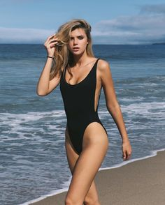 Awesome hot Women : Photo