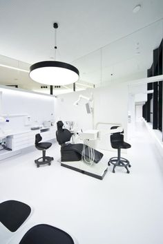 17 Interior Design Ideas to Make a Dental Clinic Less Frightening https://www.futuristarchitecture.com/30885-dental-clinic.html