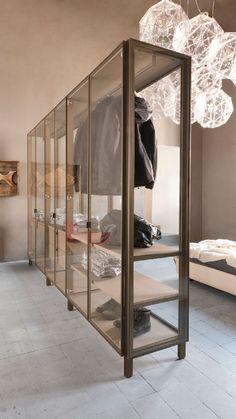 Albed Room diverder kast. Deze staat in onze showroom.   Neem contact met ons op voor de mogelijkheden www.mvrstudios.nl