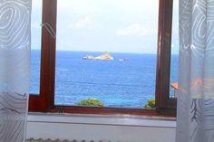 Villa in vendita all'Isola d'Elba in Toscana vista mare Toscana, Windows, Frame, Home Decor, Picture Frame, Window, A Frame, Interior Design, Frames