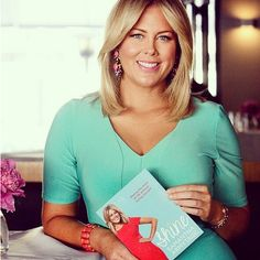 Samantha Armytage wearing a special edition #leinabroughton dress for her book launch. What an amazing inspirational woman.