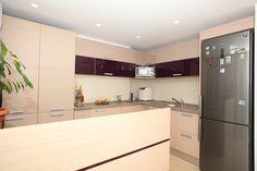Imagini pentru bucatarii moderne mdf lucios Divider, Interior Design, Kitchen, Room, Furniture, Home Decor, Nest Design, Bedroom, Cooking