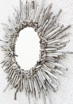10 DIY Driftwood Projects For Your Decor MORE WHITE WASHED TWIG IDEA IN LIEU OF DRIFTWOOD NOT ALL OF CAN GO COLLECT