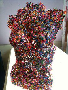 tutorial on -Melted Plastic Beads - Coloured Torso Plastic Beads Melted, Plastic Art, Shrink Plastic, Mannequin Torso, Mannequin Art, Hama Beads, Arte Peculiar, Plastic Bottle Flowers, Female Torso