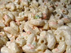 Hawaiian Macaroni Salad - creamy, tangy and with an insanely addictive dressing, similar to Alabamas own white BBQ sauce.