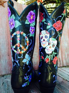 Custom painted boots by Gypsy Bluebird Studio, Comfort, Texas