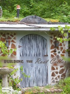 Building The Root Cellar - trials and tribulations, and finally, victory!    Alternative Building | Earth Shelter Root Cellar | Cordwood | Green Roof