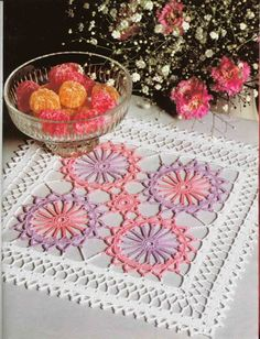 Crochet 'Colourful Wheels' doily… Free pattern