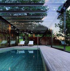 Pool indoors