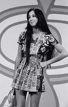 """Cher on the TV show """"Rowan And Martin's Laugh-In,"""" 70s Inspired Fashion, 60s And 70s Fashion, Retro Fashion, Vintage Fashion, Style 60s, Style Icons, My Style, Cher Photos, 70s Mode"""