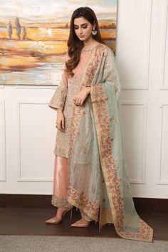 Pakistani blush pink salwar kameez with beautiful mongia dupatta Pakistani Formal Dresses, Pakistani Wedding Outfits, Pakistani Dress Design, Pakistani Wedding Dresses, Indian Dresses, Indian Outfits, Pakistan Fashion, Desi Clothes, Stylish Dresses