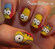 Diseno de los Simpsons en tus unas