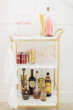 Bar Ikea, Ikea Bar Cart, Diy Bar Cart, Gold Bar Cart, Bar Cart Decor, Bar Cart Styling, Bar Carts, Drinks Trolley Ikea, Diy Home Decor Rustic