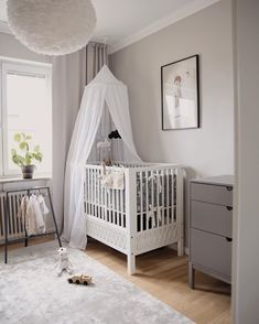 Tap for all the details. Baby Bedroom, Nursery Room, Kids Bedroom, Nursery Decor, Kids Room Design, Nursery Inspiration, Baby Cribs, Baby Decor, Decoration