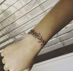 Plant Bracelet Tattoo by Ilwol