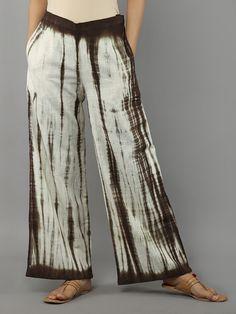 Dark Brown White Tie and Dye Khadi Cotton Palazzo Tie Dye Fashion, Frock Fashion, Fashion Pants, Boho Fashion, Fashion Outfits, Shibori Fabric, Shibori Tie Dye, Mode Batik, Tie Dye Crafts