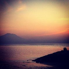 Just the two of us. #sunrise #morning #two #couple #bali #sanur