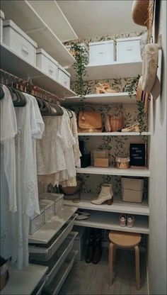 32 Amazing Closet Organization Ideas The Secrets of an Organized Room pin description WALK-IN CLOSET tico MD decoraci n ideas para la casa myhome On top Macarena Gea Walk In Closet Small, Walk In Closet Design, Small Closets, Closet Designs, Small Master Closet, Reach In Closet, In The Closet, Long Narrow Closet, Closet Ideas For Small Spaces Bedroom