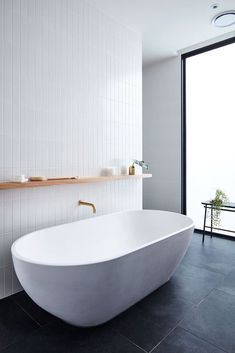 Gallery of The Courtyard House / Auhaus Architecture - 31 // Badezimmer, bathroom