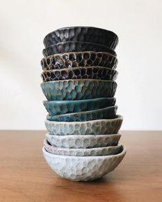 Pinch pots made by Gina Zycher glittermountain on insta Clay Pinch Pots, Ceramic Pinch Pots, Ceramic Clay, Ceramic Bowls, Pottery Bowls, Ceramic Pottery, Pottery Wheel, Thrown Pottery, Slab Pottery