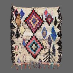 "Very woolen recycled "" Boucherouite"" the traditional motives berber. www.secret-berbere.com"