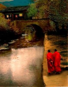 Clash With An Enlightened Man ~by Osho Walking Meditation, Spiritual Meditation, Amazing Photography, Art Photography, Eastern Philosophy, Serenity Now, Buddhist Monk, Spiritual Teachers, Osho