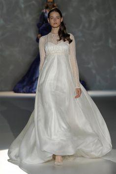Los vestidos de novia de Isabel Zapadiez foto 18...