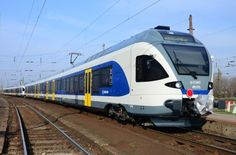Hungary set for first double-deck trains: Stadler has signed a framework agreement with Hungarian national rail operator MÁV-Start to… Train Wallpaper, National Rail, Rail Train, Double Deck, Speed Training, Light Rail, Rolling Stock, Bahn, Locomotive
