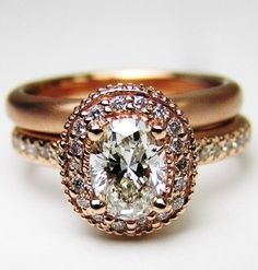 Loving this vintage engagement ring.