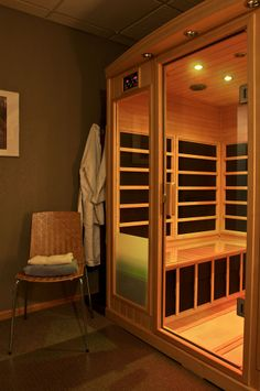 MD Custom Rx is proud to offer Far-Infrared sauna therapy for our patients at our Brookfield, Wisconsin location. Learn more about the benefits of Far-Infrared Saunas. Best Infrared Sauna, Infrared Sauna Benefits, Infared Sauna, Small Bathroom Vanities, Bathroom Stuff, Bathrooms, Master Bedroom Bathroom, Master Bath, Saunas