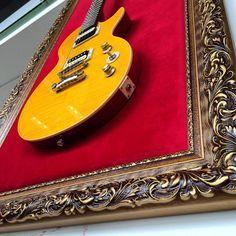Home Music Rooms, Music Studio Room, Vintage Decor, Rustic Decor, Guitar Display Case, Home Decor Bedroom, Room Decor, Guitar Hanger, Guitar Room