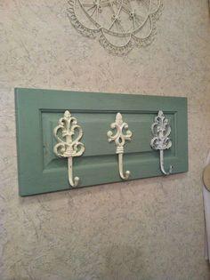 Best old door repurposed diy bathroom Ideas Cabinet Door Crafts, Old Cabinet Doors, Old Cabinets, Small Cabinet, Cupboards, Repurposed Furniture, Painted Furniture, Diy Furniture, Plastik Recycling