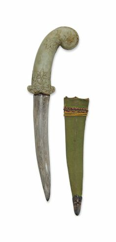 A JADE-HILTED DAGGER -  MUGHAL INDIA, 18TH CENTURY