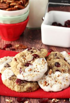 White Chocolate Dipped Cranberry Oatmeal Cookies | Community Post: 25 Decadent Cookies To Put On Your Holiday Wish List