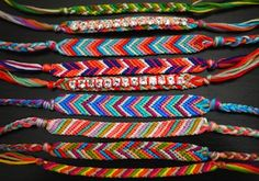Grab some embroidery floss and these 21 Macrame Bracelet Patterns to learn How to Make Friendship Bracelets. Create some cool friendship bracelet designs! Crafts To Do, Crafts For Kids, Arts And Crafts, Tween Craft, Macrame Bracelet Patterns, Woven Bracelets, Floss Bracelets, Bff Bracelets, Ankle Bracelets