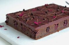 Chocolate Brownie Cake with Marzipan and Cinnamon with Blackberries Danish Dessert, Chocolate Brownie Cake, Marzipan, No Bake Desserts, Sweet Tooth, Sweet Treats, Food And Drink, Sweets, Blackberries