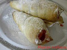Maanan matkassa: Laskiaistötteröt Hot Dog Buns, Hot Dogs, Bread, Desserts, Food, Tailgate Desserts, Deserts, Brot, Essen