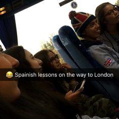 "61 Me gusta, 1 comentarios - Royal Hospital BEO (@royalhospitalbeo) en Instagram: ""Spanish Lessons for AL @raman5r en route to London #beoworld #beo2018 #royalhospital2018"""