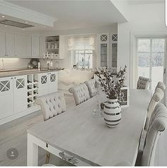White Kitchen Ideas - White never ever falls short to provide a kitchen style an ageless look. These elegant cooking areas, including every little thing from white kitchen cabinets to smooth white . Kitchen Interior, Interior Design Living Room, Living Room Decor, Kitchen Decor, Kitchen Design, Kitchen Ideas, Dining Room, Shabby Chic Kitchen Table, Rustic Kitchen
