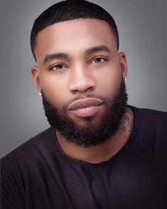 Sharing photos of black men to combat the erasure in the beard movement. Fine Black Men, Gorgeous Black Men, Handsome Black Men, Fine Men, Beautiful Men, Black Man, Dead Gorgeous, Handsome Man, Black Men Haircuts