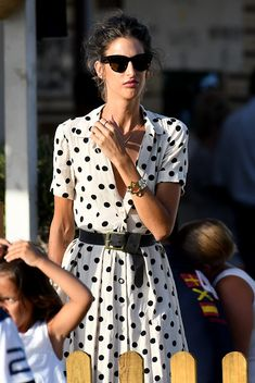 Clothes For Women Over 40, Casual Dress Outfits, Sartorialist, Street Style Summer, Celebrity Look, I Dress, Casual Chic, Beautiful Outfits, Fashion Dresses