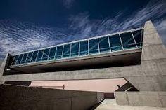 """museu dos coches - Pesquisa Google - O novo Museu dos Coches surge em Belém como um equipamento cultural mas também como um lugar público. Nas palavras do arquiteto Paulo Mendes da Rocha """"o museu não tem porta e relaciona-se para todos os lados"""". Wikipédia"""