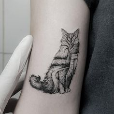cat outline tattoo by @otavioborgez