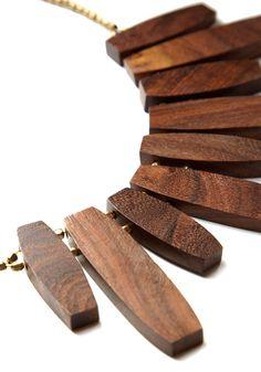 wood necklace                                                                                                                                                                                 Más
