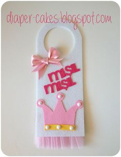 Door Hanger Template Ideas for Hotels, Marketing and Advertising Foam Crafts, Diy And Crafts, Crafts For Kids, Felt Decorations, Baby Shower Decorations, Cute Backgrounds For Phones, Polymer Clay Embroidery, Door Hanger Template, Felt Wreath
