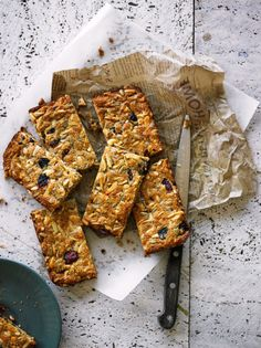 Supercharged Breakfast Bars (for People on the Go)|Lee Holmes