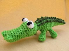 Ally Gator Crochet Amigurumi Alligator Pattern by CraftyDebDesigns, $2.98   Someone needs to make me this guy! I love it