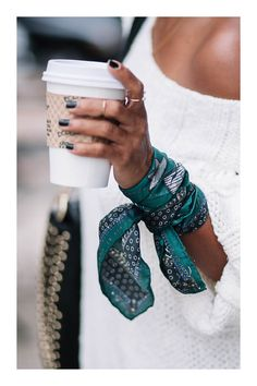 Hair Scarf Styles, Bandana Styles, Classy Work Outfits, Casual Outfits, Boho Fashion, Fashion Outfits, Womens Fashion, Ways To Wear A Scarf, How To Wear